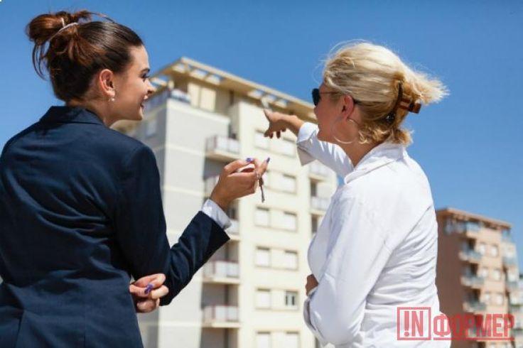 Сколько заплатит севастополец при продаже квартиры? http://ruinformer.com/page/skolko-zaplatit-sevastopolec-pri-prodazhe-kvartiry  Продавая квартиру или иной объект недвижимости, его собственник обязан уплатить налог в размере 13% от вырученной суммы. Однако некоторые граждане часто обходят это требование или, наоборот, не знают о своем праве на налоговый вычет. На что рассчитывать при продаже квартиры, какие санкции могут применить к нарушителям и какие права закреплены за каждым продавцом…