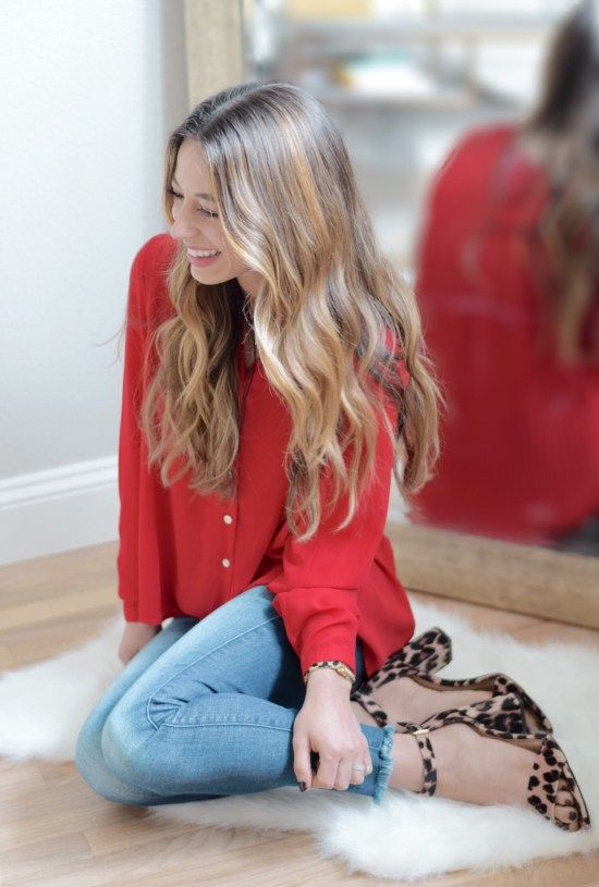 A teacher fashion blog devoted to teacher outfit of the days and teacher off-duty outfits. Find a variety of professional girly chic outfits, great sales, and mix-and-match ideas. Teacher off-duty is to showcase outfits worn outside of the school day.