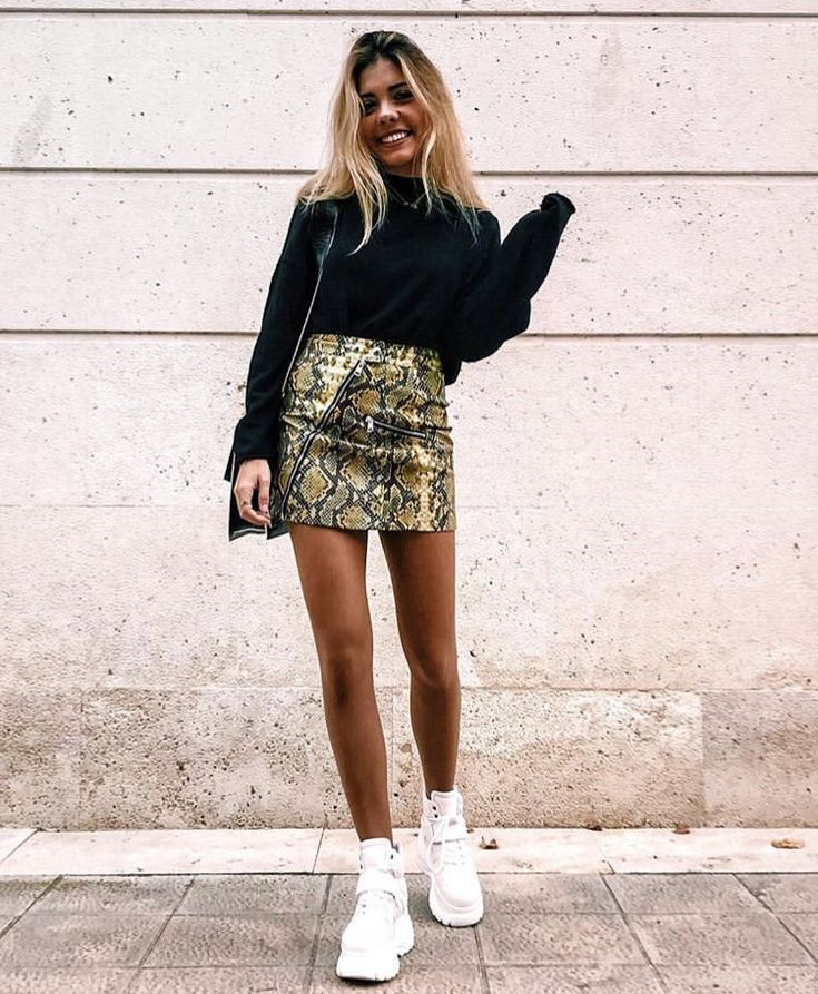 Street Vibe High Waisted Skirt with Basic Black Long-Sleeve, Complete with Styli…