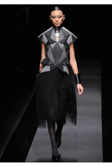 Atsumi Nakashima collections discover more interesting young fashion designers at  www.thefashionpropellant.blogspot.it