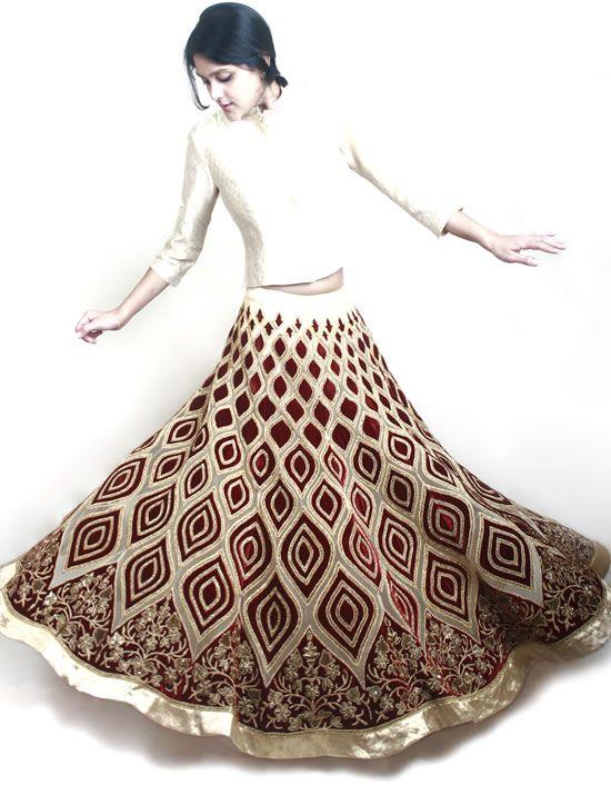 WeddingSutra Editors' Blog » Blog Archive » Rahul Mishra's Jaama Collection showcases lightweight lehengas for brides