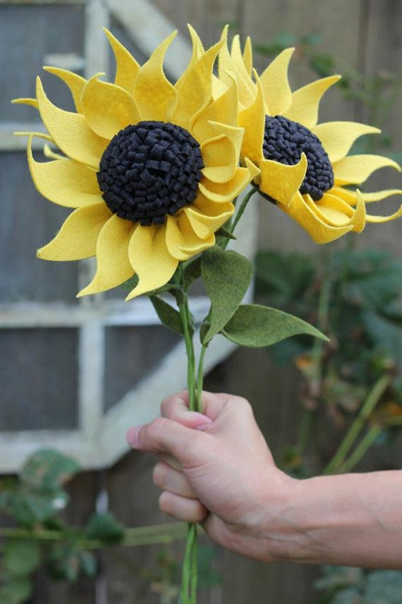 Felt sunflower build your own bouquet by thefeltflorist for Diy felt flower mobile