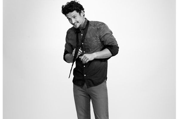 The perfect semi formal attire - Formal shirt with jeans - http://menfash.us/styling-tips/formal-shirt-with-jeans/