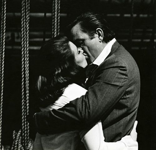 photomusik:  June Carter and Johnny Cash   A love that's hotter than a peppers sprout.