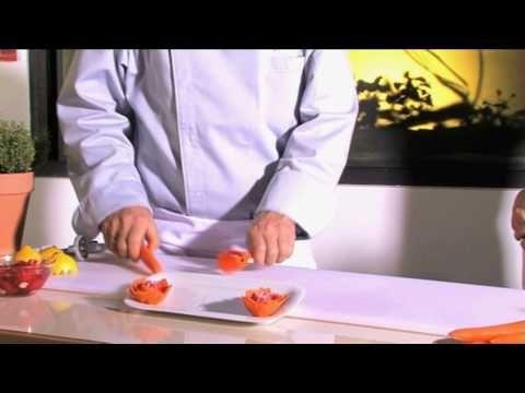 Ustensila pentru decorat legume - YouTube