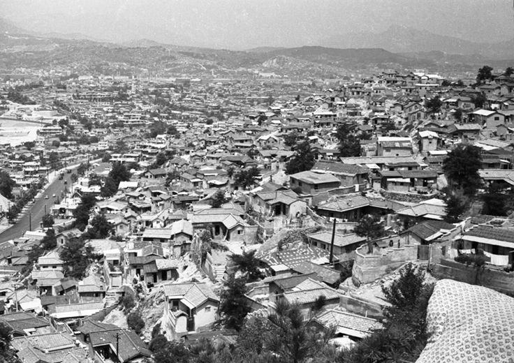 Housing Above Dashin-no, Seoul, 1968namsan.jpg