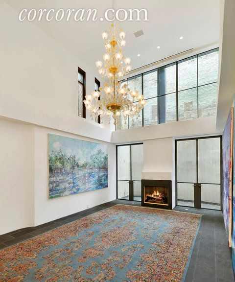 Photos: Taylor Swift's Rents West Village Townhouse in N.Y.C. | InStyle.com