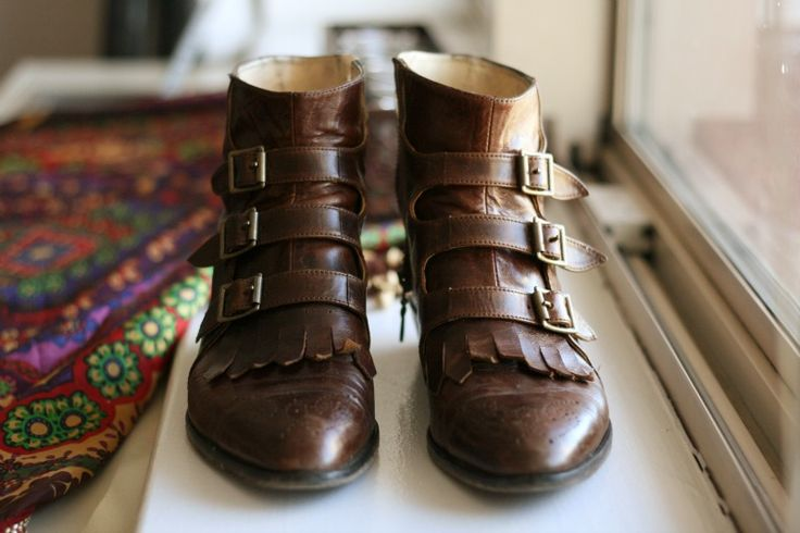 Vintage brown leather booties with buckles. Cute.