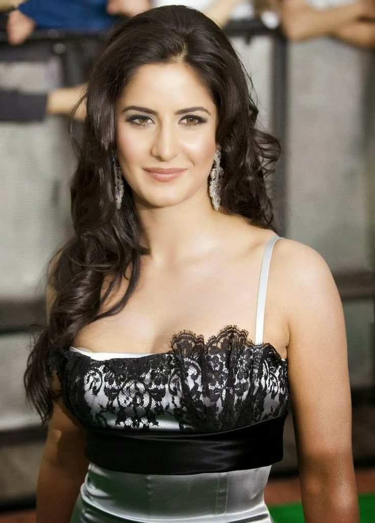 Katrina Kaif made her acting debut in 2003 with Kaizad Gustad's Boom, which bombed at the box office. Later, Kaif made appearances in moderately successful films such as Sarkar (2005) and Maine Pyaar Kyun Kiya (2005), which helped boost her image in the industry. In 2006, Kaif was largely appreciated for her role as Jia A. Yashvardhan from the film Humko Deewana Kar Gaye, but the film didn't do very well.