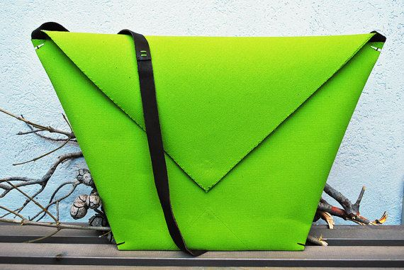 Green lightweight crossbody bag for summer canvas by InconnuLAB