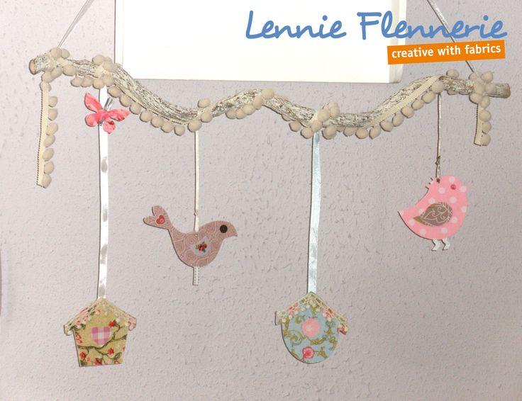 Springtime mobile. Birds, birdshouses. Branch. http://lennie-flennerie.blogspot.nl/2015/03/voorjaarsmobile-spring-mobile.html