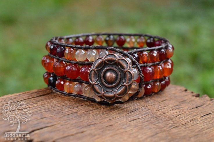 Гривна - уникат от линията Gipsy Romance, изработена от тъмнокафява кожа и естествени полускъпоценни камъни КАРНЕОЛ и АХАТ. http://www.siddharta.bg