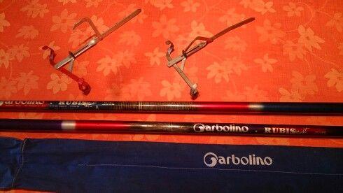 Deux superbes cannes Garbolino carbone de 8 mètres avec deux portes cannes 28 €