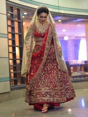 ❤️ Trending Bridal Wear❤️  #Punjabijuttistore #punjabijutti #jutti #mojari #khussa #bridemade #lehnga #weddingdress #bridetobe #indianwear #ethnicwear #ethniclook #indianbride #worldwide #makeinindia #punjabiweddings #swagycouples #punjabijodi #blog #blogger #fashionblog #fashionbloggers #instapic #instafollow #instapost #instalike #india #shopnow #bebeautiful #goethnic💫💫💫