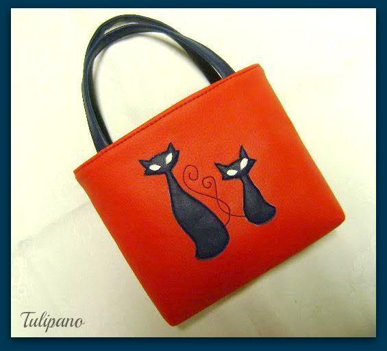 Baba táska piros-kékben. Bármilyen más színben is kérhető.