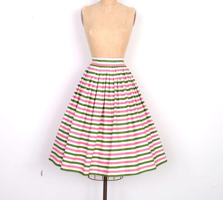Vintage jaren 1950 rok / 50s gestreepte katoenen rok / groen en roze (medium M)  Mooie jaren 1950 rok gedaan in crème halverwege gewicht katoen