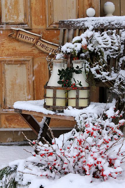 no one delivers milk like this anymore...sighHoliday, Winter Wonderland, Front Doors, Country Christmas, Milk Bottle, Christmas Mornings, Vintage Rose, Merry Christmas