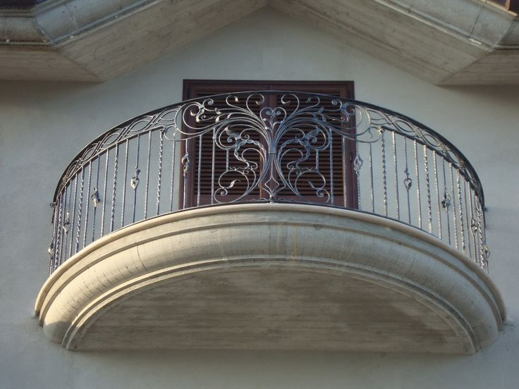 17 best images about balconies on pinterest balcony for Origin of balcony