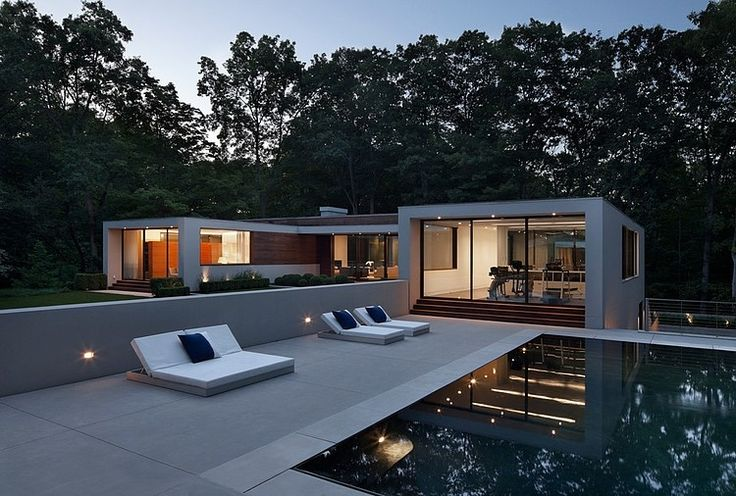 New Canaan Residence Specht Harpman turned a 1950′s house located in New Canaan, Connecticut into a stunning modern single family residence.