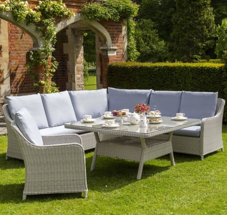 the queen set is new from life for 2016 looks almost as stunning as the rattan garden furnitureoutdoor
