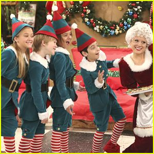 Nicky, Ricky, Dicky & Dawn Are 'Santa's Little Helpers' In These Exclusive Stills