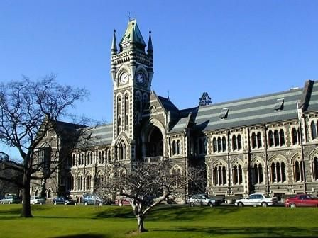 The power of New Zealand for learning has been highlighted recently, since the structure of English education in this country focuses on British standards. Thus, researchers from the rest of the Anglophone countries feel the course of the study of the best universities in New Zealand is not a problem to treat.