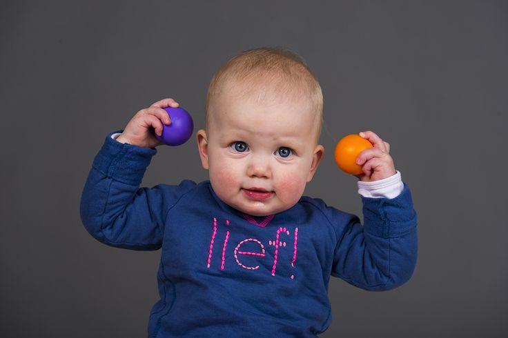 Aanbieding baby/peuter fotoshoot http://www.defotograaf-limburg.nl/fotograaf-aanbieding-baby-peuter-fotoshoot/