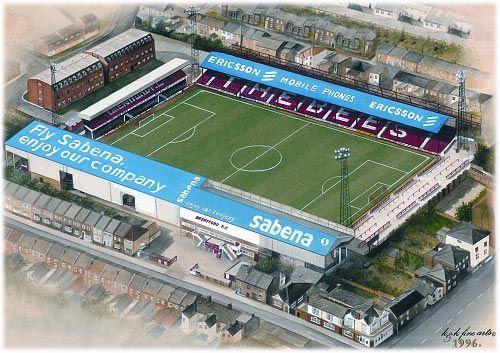 Brentford F.C. - Griffin Park - 12.300 tilskurer