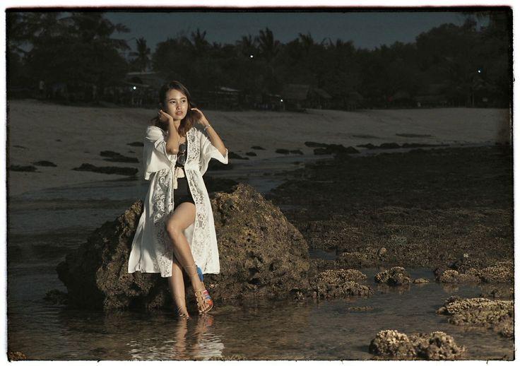 Alone...  Olympus OMD-EM1 with 40-150mm  #jamzet #photobyarydwinanto #model #olympus #olympusworld #natural