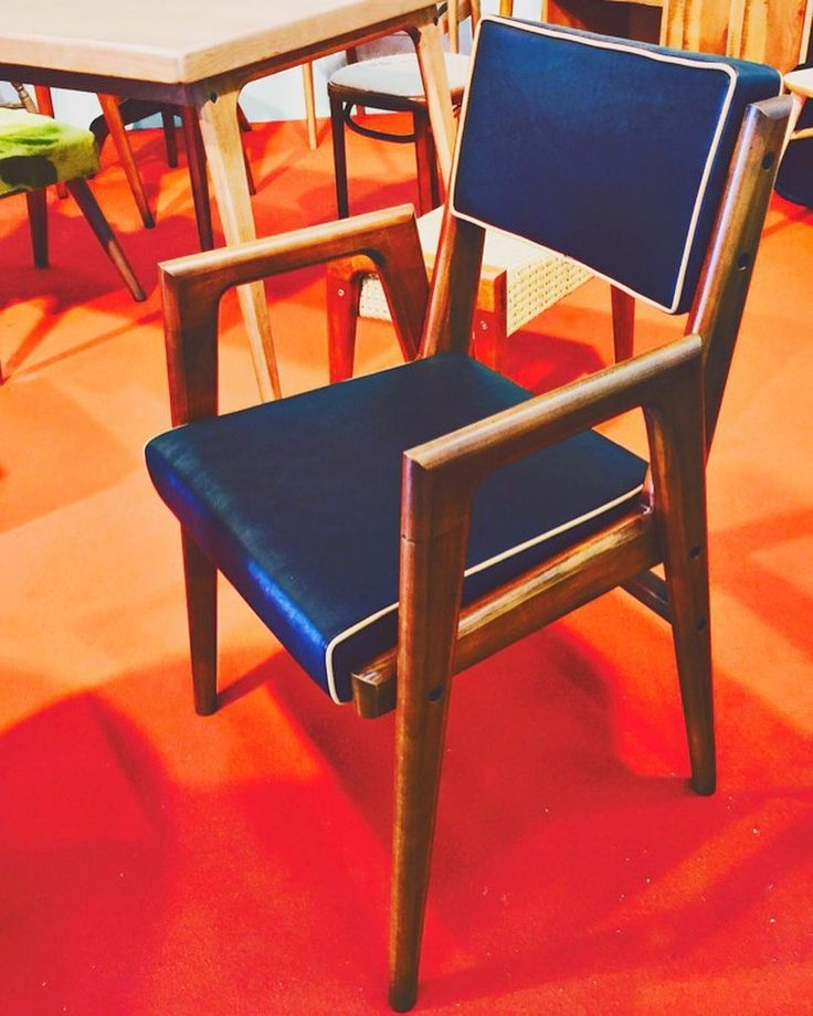 Custom Chair #madeinrovic #rovicsrl #rovic_lab83 #contract #furniture #woodchair #intreriordesign #sedie #tavolo#chair#table#chairandtable #arredare #arredamento #design #vintage #vintagestyle#architect #architecture #interiordesign #ristorante #restaurant #italianrestaurant #roma #milano #italy by rovic_lab83