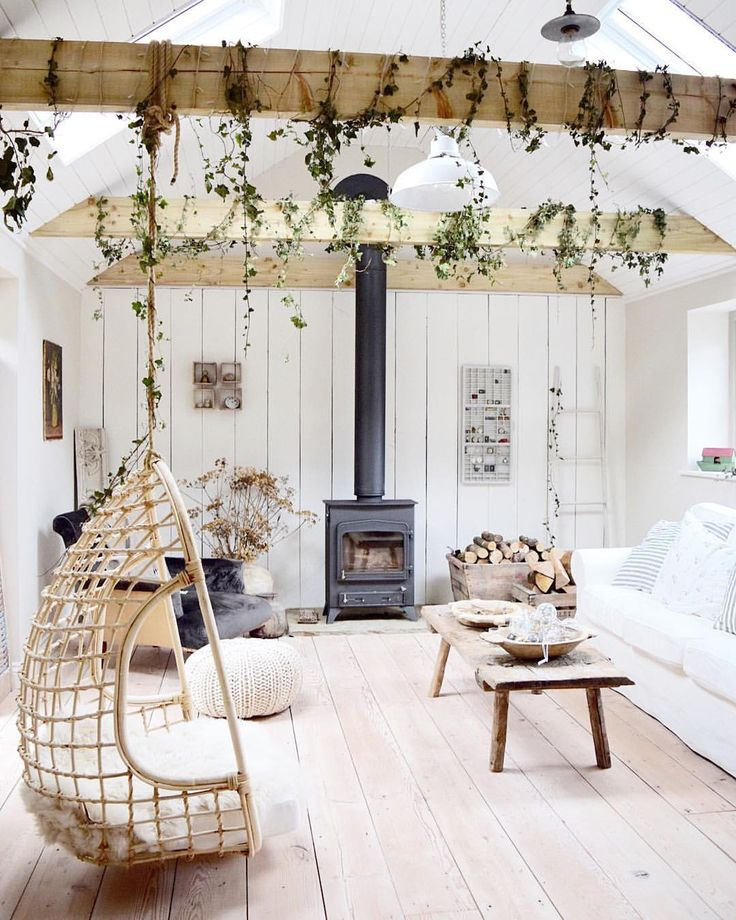 """663 Likes, 33 Comments – Laid Back Farmhouse (@laid_back_farmhouse) on Instagram: """"I really must get around to removing this Ivy. It's been up for…"""
