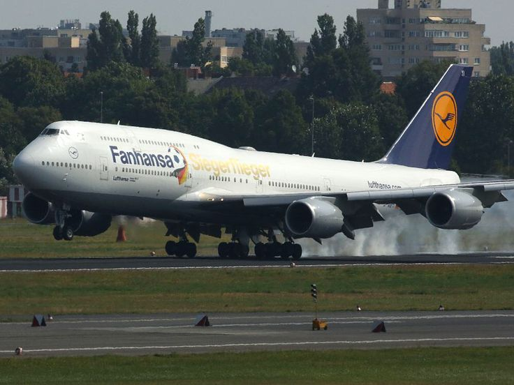 "2014-07-15 The plane of the winners, Luft- alias ""Fanhansa"" Boeing 747-8 Potsdam, lands at the Airport Berlin-Tegel."