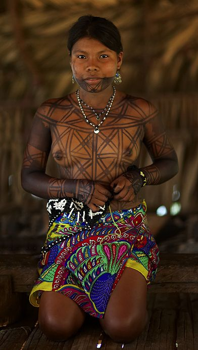 Panama | JAGUA JUICE TATOO. Emberá Indian. Panama Province | © Sune Wendelboe Via Alicia Goodwin