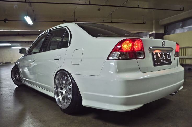 Honda Civic 7th gen (ES) - StanceWorks