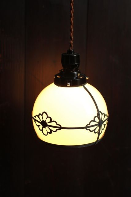 菊紋小ぶりな照明 A1227