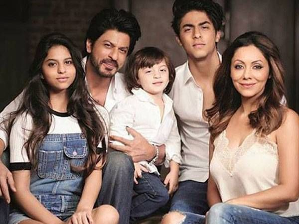 Shah Rukh–Gauri Khan's family portrait with their kids is a must-see!