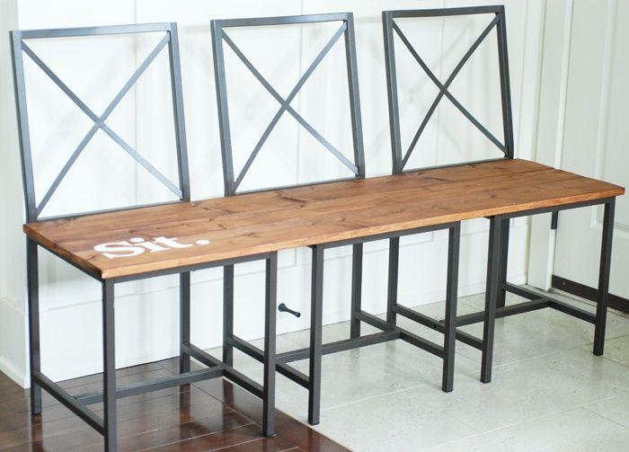 1000 id es sur le th me palettes en bois peintes sur - Comment faire une banquette en bois ...