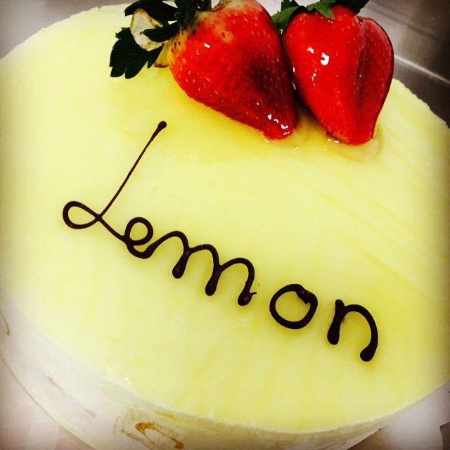 Some lemon mousse cake to brighten up your ride home??? Drive safe everyone!!! #lemon #mousse #cake #fresh #greekbakery #seranobakery #Toronto #bakery