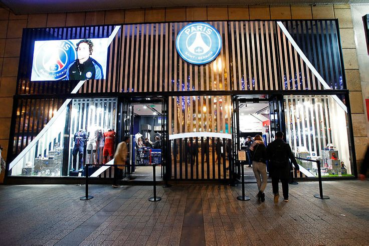 The Paris Saint-Germain's store in Champs Elysées is shining for Christmas