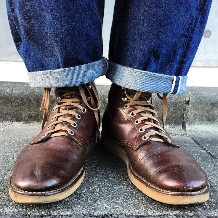 #40s #50s #redwing #vintageboots #紺タグ #OOTD  これは超貴重なレッドウイングのヴィンテージブーツ♪ 信頼できるフォロワーさんからムリ言って、お譲りして頂きました★ サイズは申し分ないくらいジャスト❗️約60年前のブーツが自分の足にフィットするなんて、ちょっとした奇跡ですよね。 踵がチビたら、シングルレザーソールにします♫