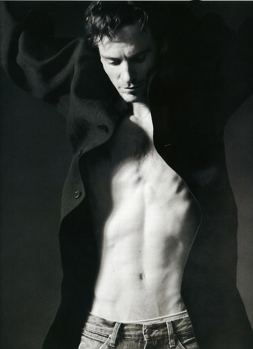 Michael Fassbender -- OMG!!!!!!