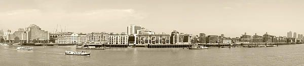 London panorama with Thames river