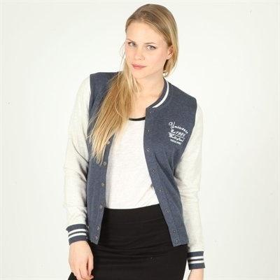 Pimkie.it : La giacca dei campus americani mostra con disinvoltura il suo volto sportswear chic.