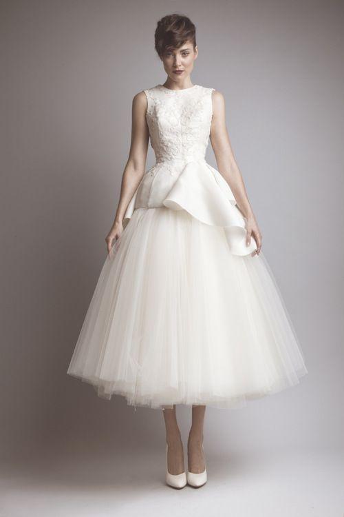 415eca87bd5b Gorgeous tea length wedding dress- Ashi Studio | Tea length bridal gowns |  Pinterest | Boda, Vestidos de novia and Vestidos de Novia Cortos