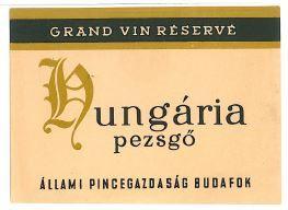 Vintage Hungarian Wine Label, Budafok, Hungária Pezsgő - Champagnee