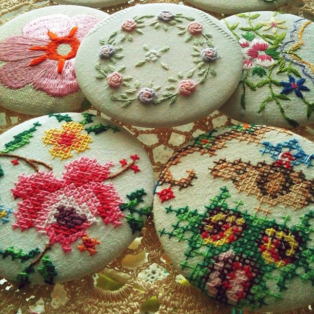 gorgeous #dianabower compact mirrors. made using vintage embroidered fabrics...