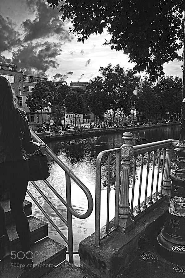 Tu t'en vas ... ( Song from Alain Barrière ) - Canal St Martin  Paris ...