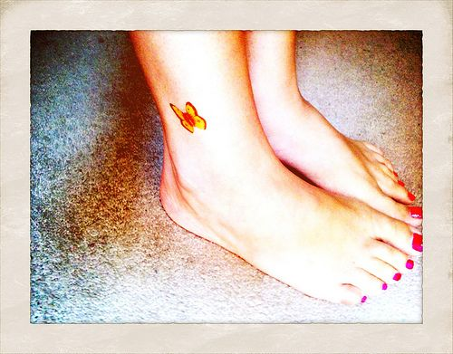 Drew Barrymore Feet Tat Picture