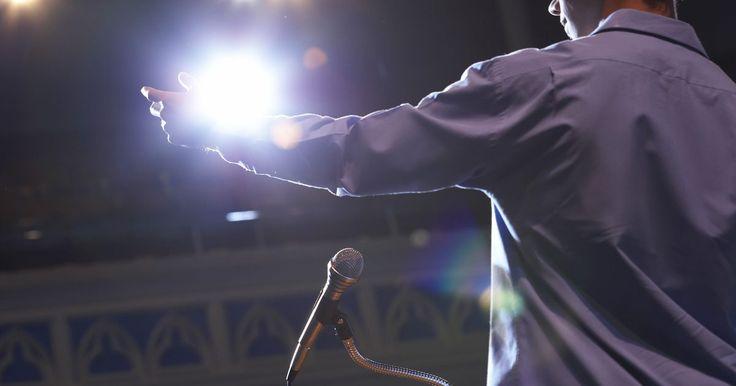 Cómo escribir un discurso electoral para tu centro de estudiantes. La clave para escribir cualquier discurso electoral, incluyendo una candidatura estudiantil, es la planificación. Un discurso ha de estar correctamente estructurado e hilado. Escribe el discurso pensando en alguien que conozcas, otro estudiante por ejemplo, en lugar de pensar en la masa de gente que lo escuchará. Esto te ayudará a mantener el ...