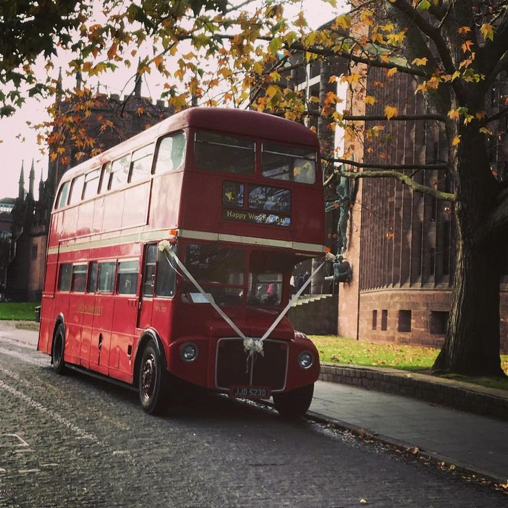 Its amazing what you see when you are working by the Coventry Cathedral    #coventry #cathedral #londonbus #routemaster #wedding #working #winter #igers #igerscoventry #covuni #construction #instalike #instadaily #instapic #picoftheday
